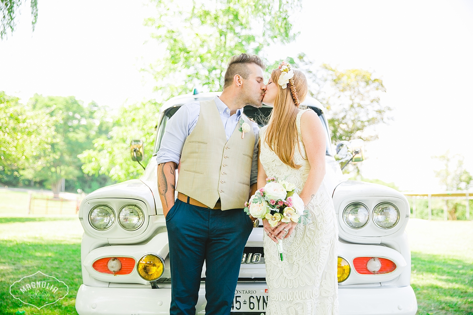 indie bride and groom bohemian wedding