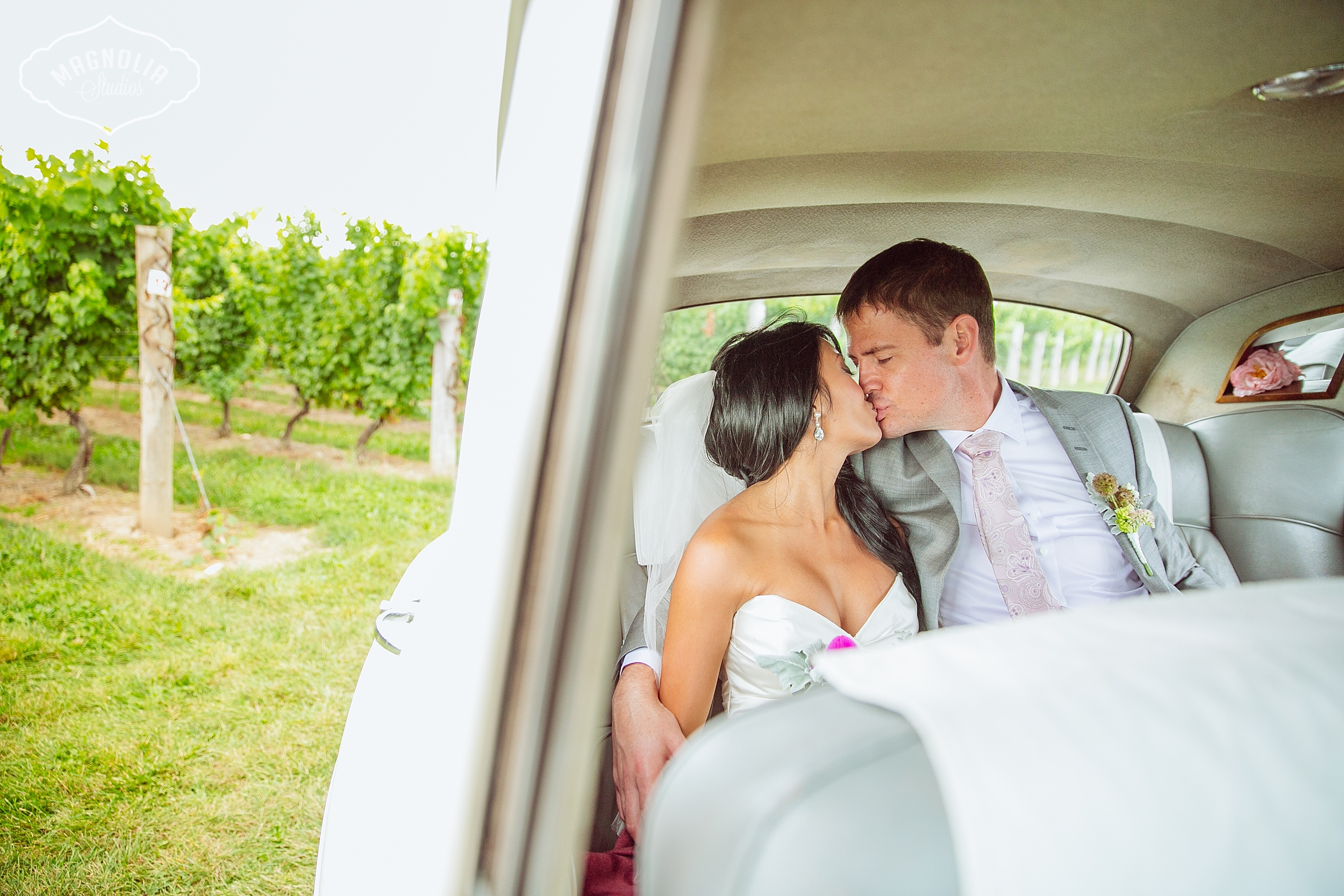 Cavesprings_Winery_Wedding_NOTL-0035