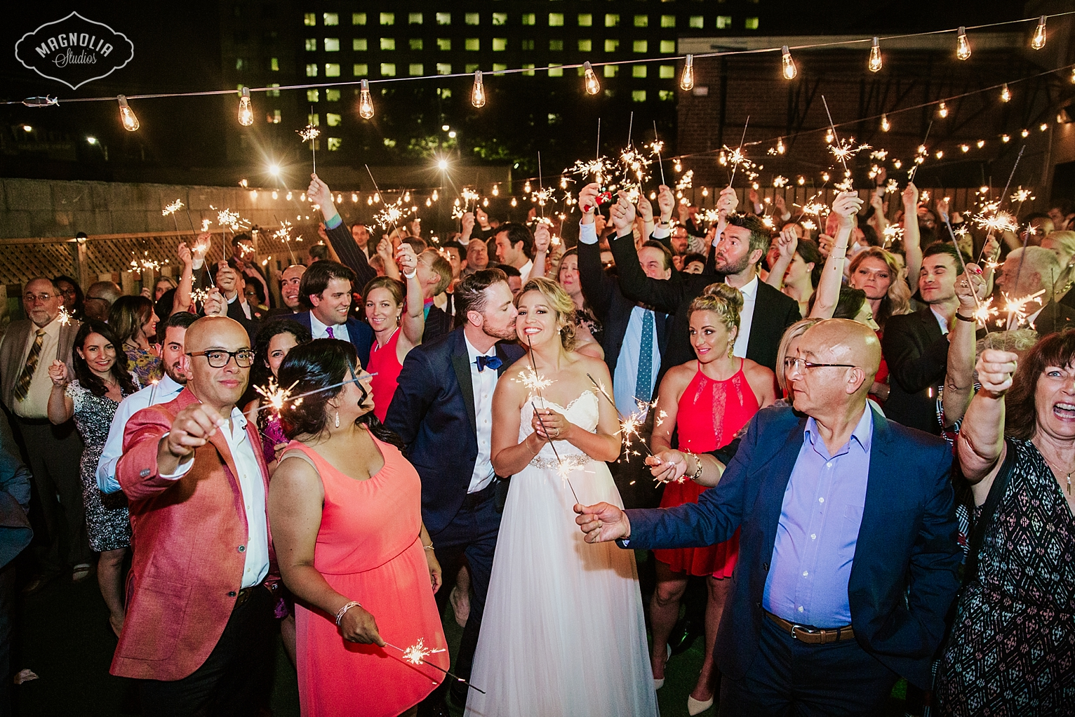 sparkler photo wedding