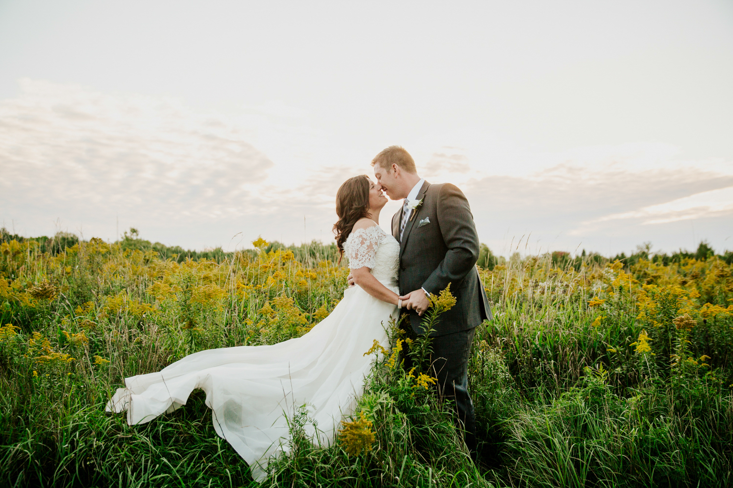 rustic belcroft estates wedding photography in a field