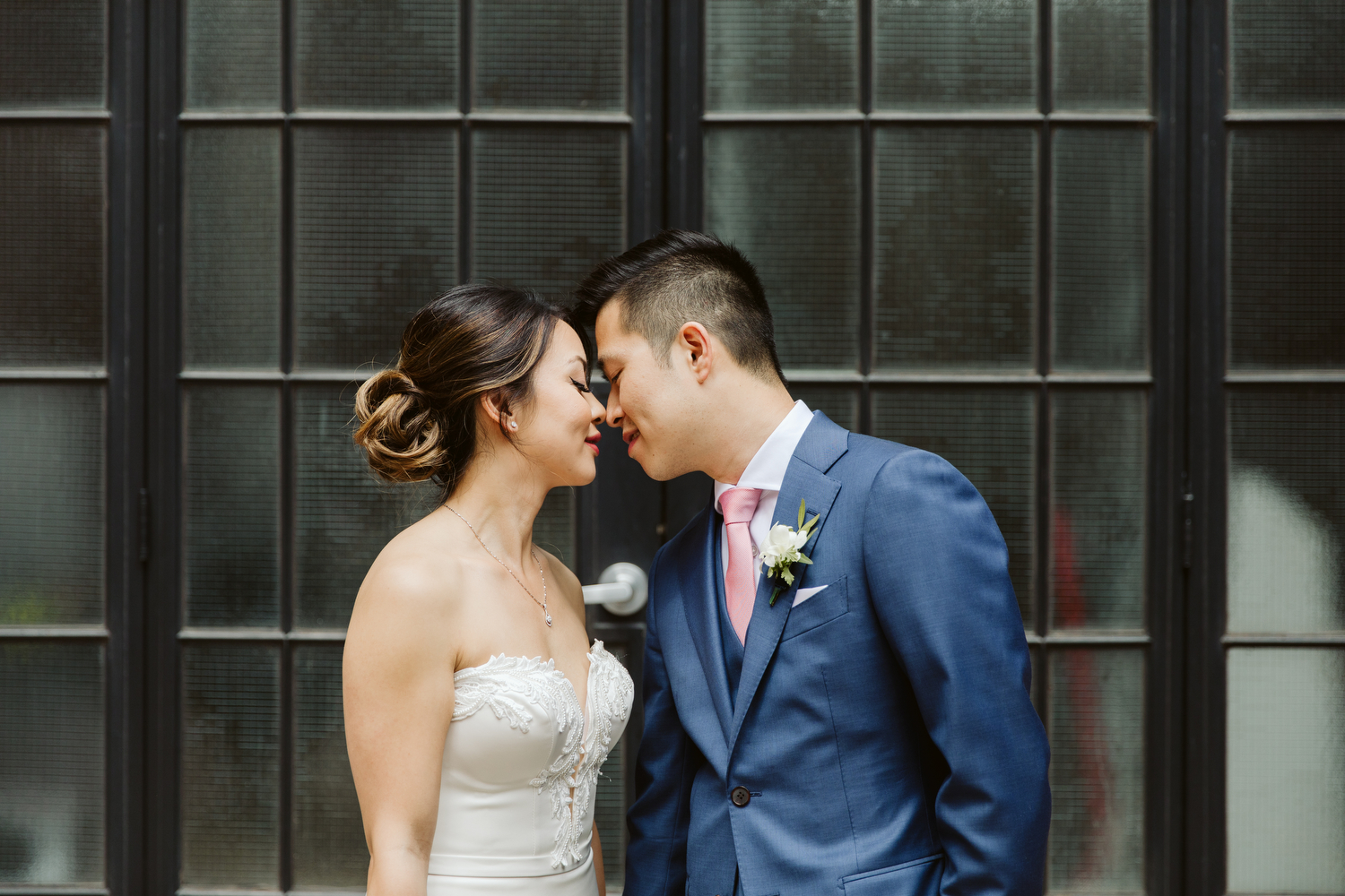 creative modern wedding photography by Magnolia Studios Toronto
