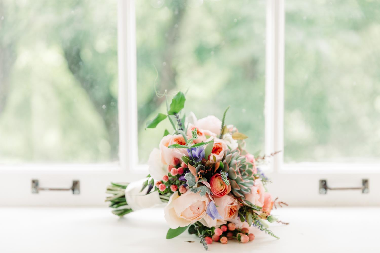 hello midge toronto wedding flowers