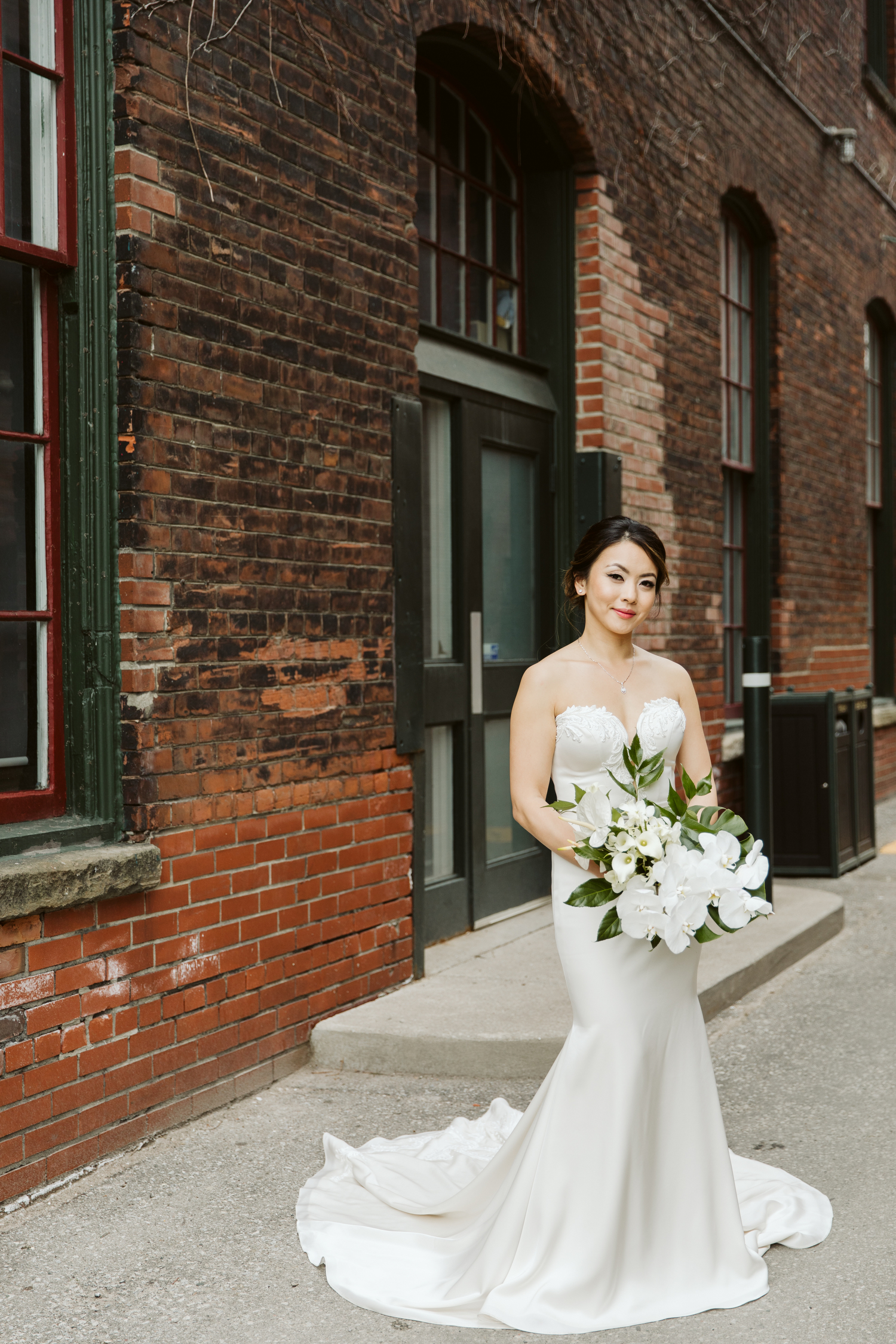 modern tropical wedding photography by Magnolia Studios Toronto