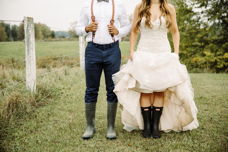 puslinch barn wedding photography by magnolia studios