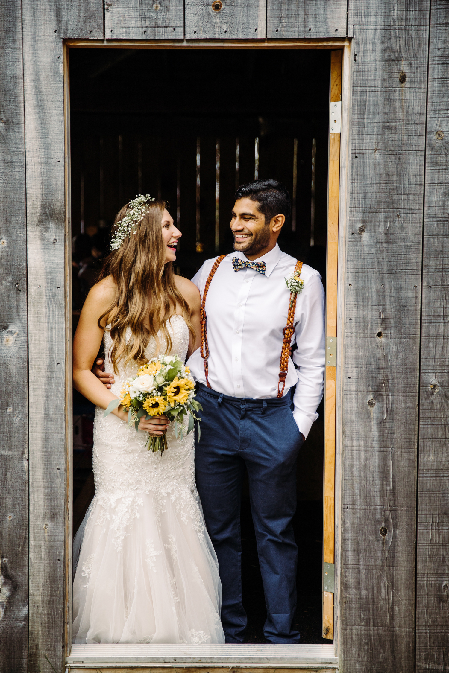 rustic barn wedding at stoneacre farms