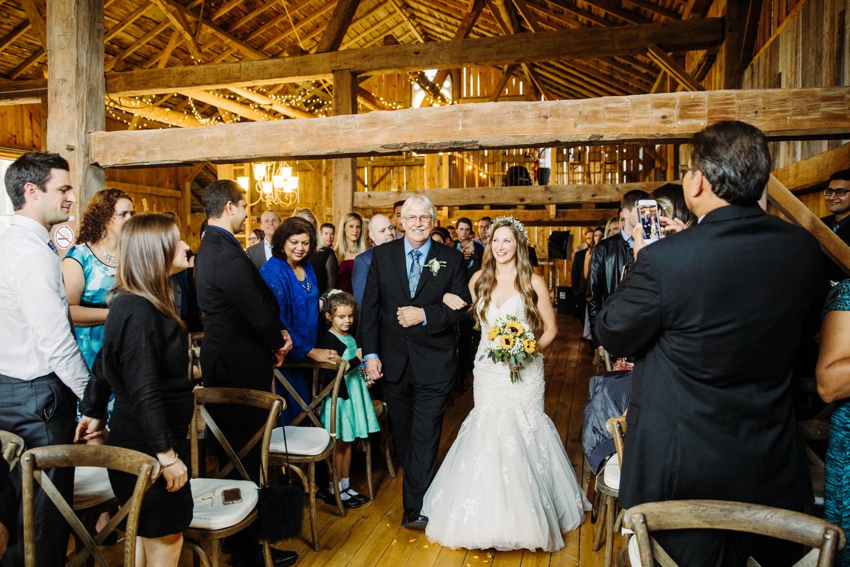 barn wedding at stoneacre farms puslinch