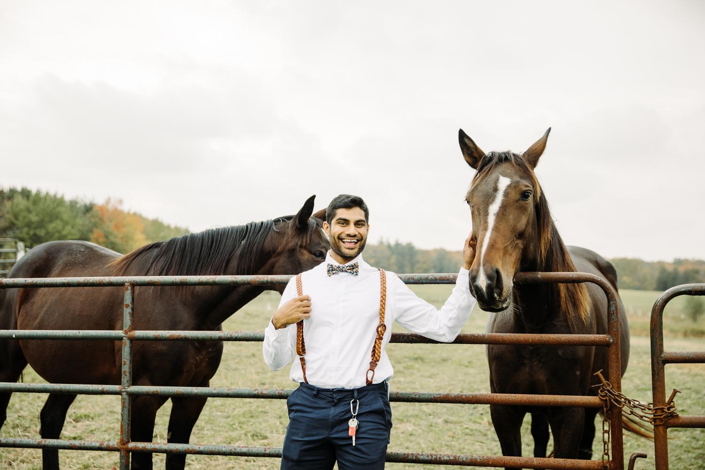 horses wedding at stoneacre farms