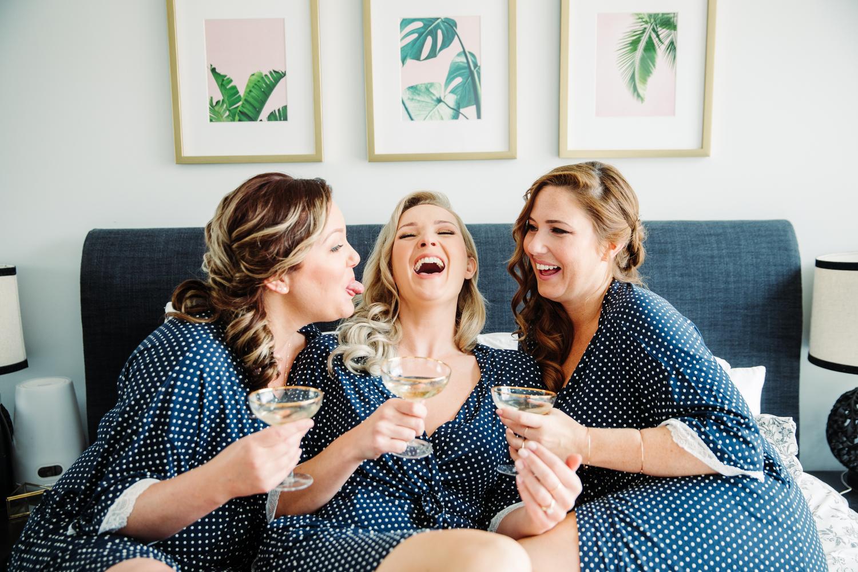 candid wedding photos magnolia studios