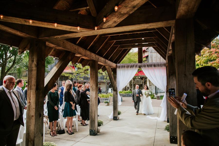 barn wedding toronto magnolia studios
