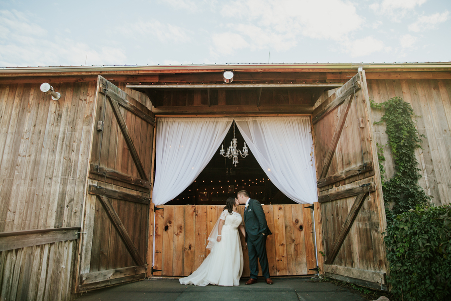 magnolia studios rustic wedding toronto photography