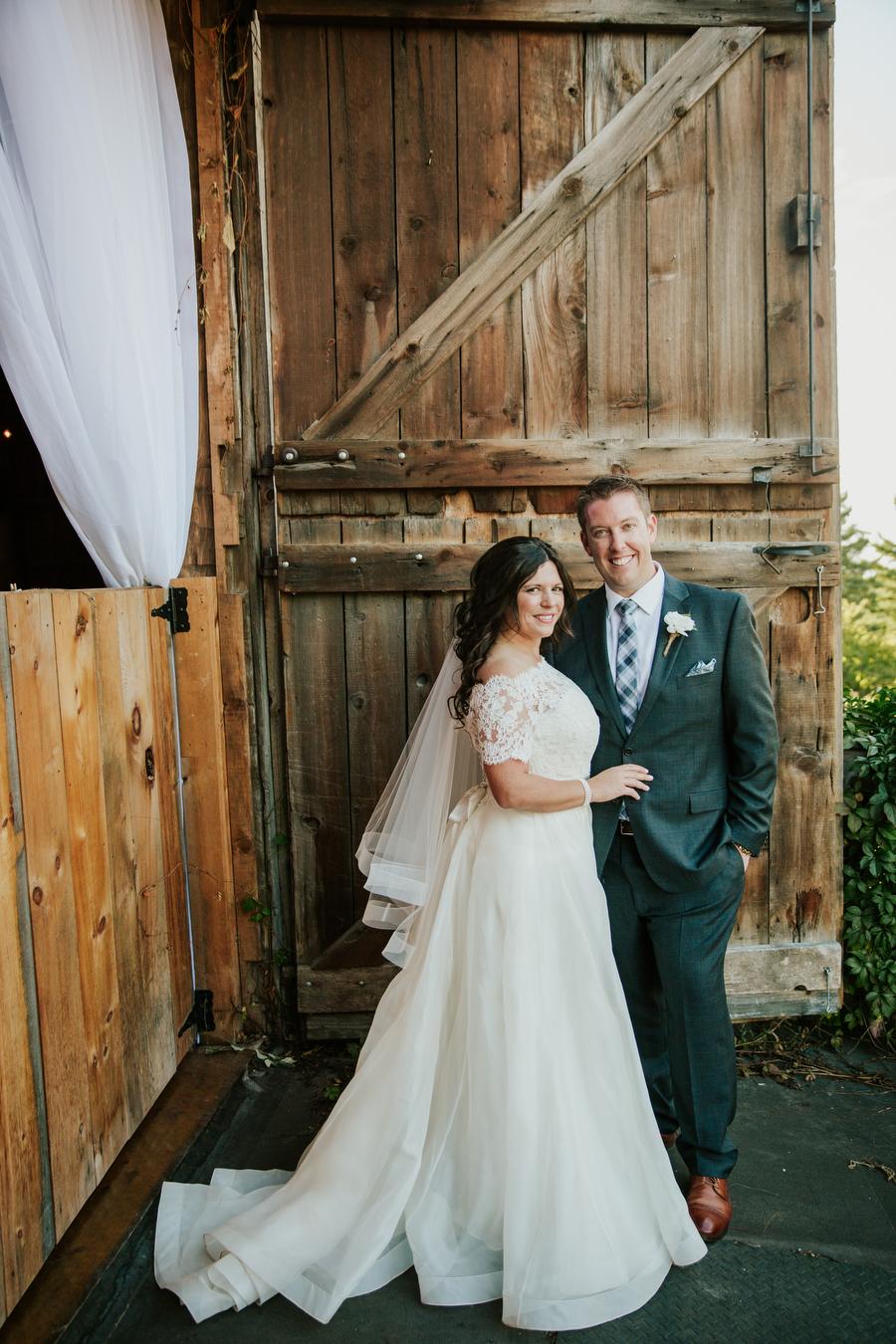 rustic barn wedding photography toronto magnolia studios