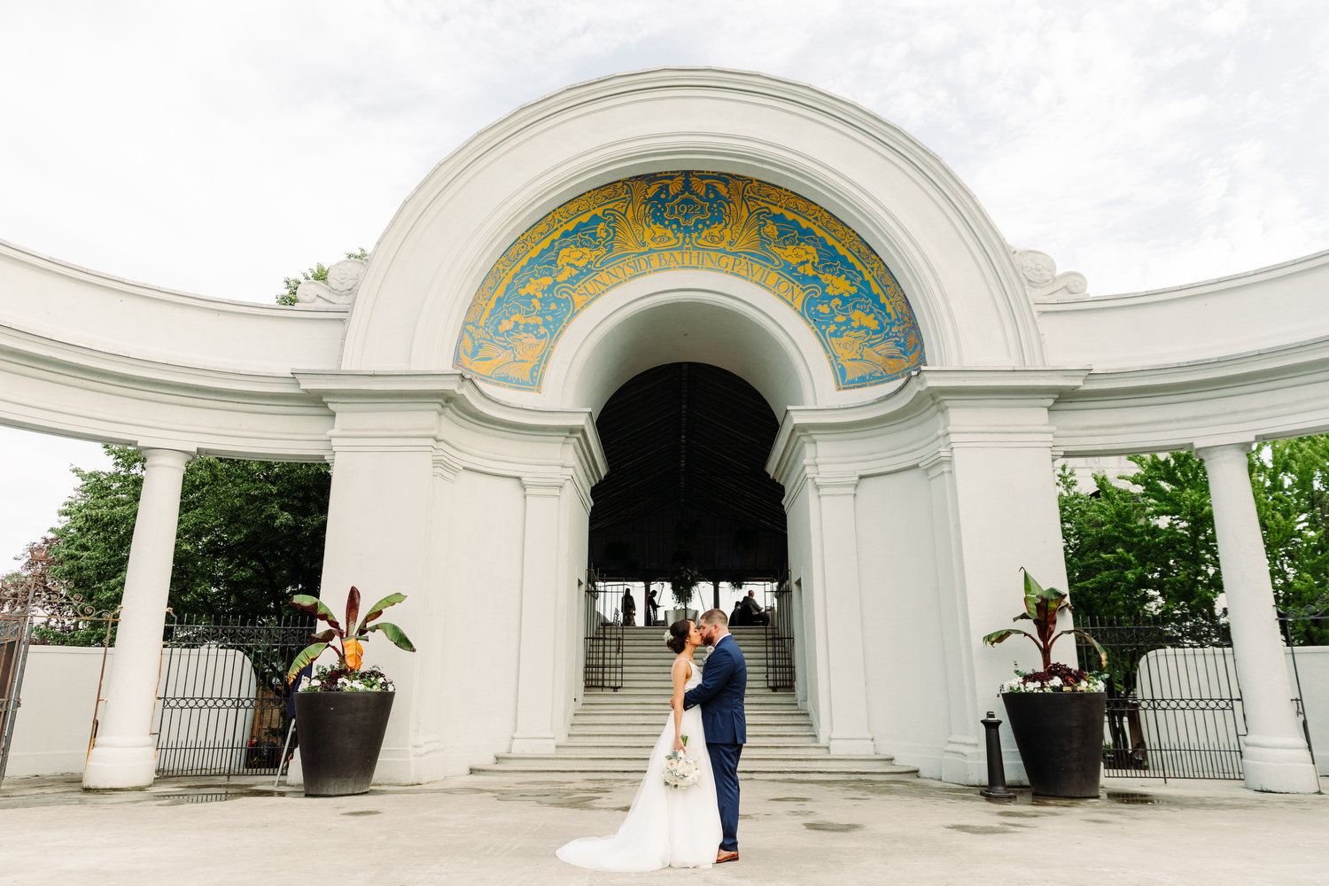 stylish sunnyside pavilion wedding