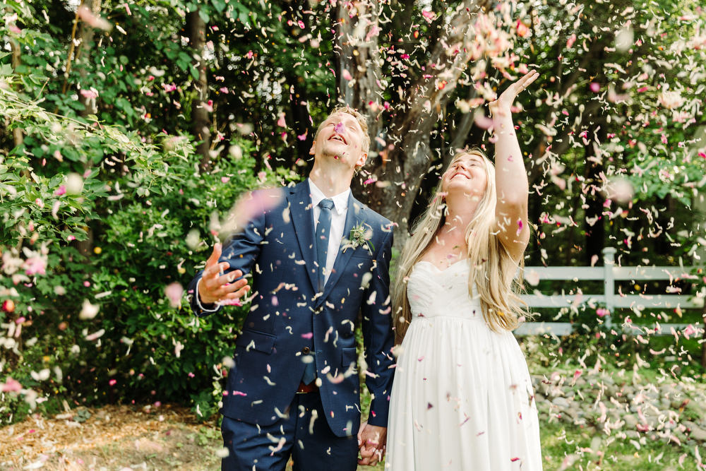flower confetti wedding